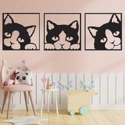 Das Bild an der Wand einer Katze aus farbigem Holzsperrholz