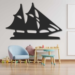 Geschnitztes Bild an der Wand eines hölzernen Segelbootes - MARINER | SENTOP