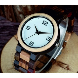 Stilvolle Armbanduhr aus Holz-GEORGIA-Yisuya
