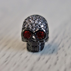 Metallschädel mit Zirkonen - schwarz
