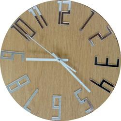 Moderne Uhr an der Wand der Zahlen - FAVI