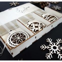 Hölzerne Weihnachtsdekoration, Set enthält 18 Stück