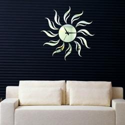 Wanduhr auf der Sonne 50x50 cm SONNE