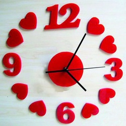 Wanduhr Rotes Herz, 30x30 cm