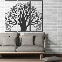 Hölzernes Bild an der Wand eines hölzernen Sperrholzbaums des Friedens KAMOV