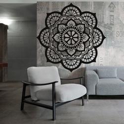 Hölzernes Bild der Blumenleben-Mandala auf einer Sperrholzwand HELLA