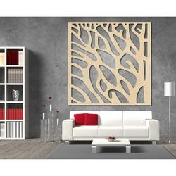 Geschnitztes Bild an der Wand eines hölzernen Sperrholzes Baum